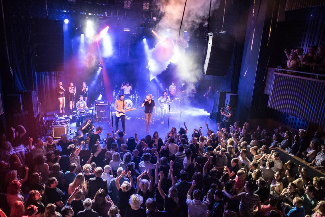 crowd-de-nobel-fb